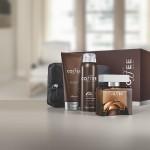 O Kit Coffee Man vem com a colônia desodorante Coffe Man, um balm pós-barba, um desodorante antitranspirante aerosol e uma exclusiva nécessaire da linha, além de uma caixa de presente especial. Preço sugerido: R$169,90