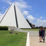 Isabeli Fontana registrou o clique em sua rede social no templo LBV!