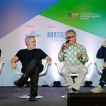 Palestra com os estilistas mentores, mediada pelo jornalista Fernando Lackman. Foto Sérgio Amaral