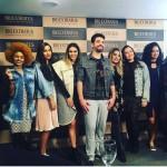 Matheus Baldi, o apresentador do Que Beleza! e as oito participantes!
