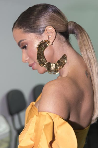 SPFW 45: Água de Coco abre a semana de moda com Anitta! 1